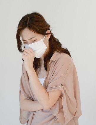 秋の花粉症は症状にのどの痛みも?時期によって違う、そういう時の対処法とは