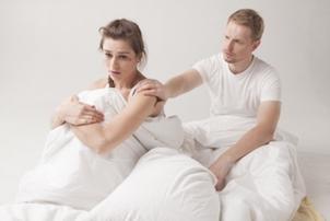 愛情表現が苦手な彼氏の取り扱い方とは? 自分でも気づいていないことに注目!